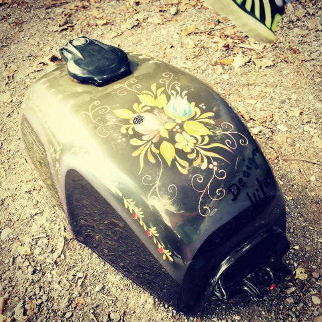 honda CX500 original fueltank olivegreen flowers custom design vintage oldshoolhellip