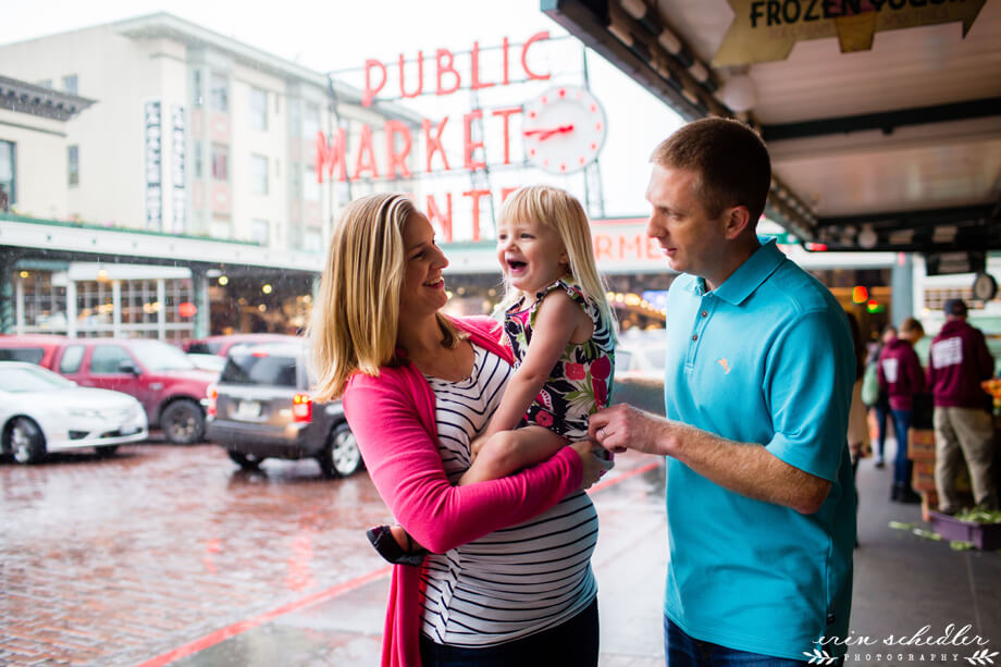 Maternity Session // Pike Place Market