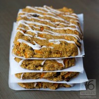 Carrot Cake Protein Bars (vegan, gf)