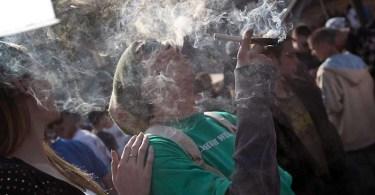 Пассивное курение марихуаны опасно