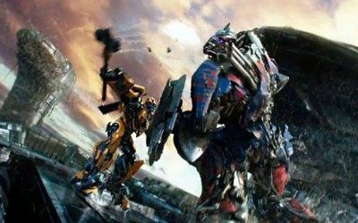 optimus-y-bumblebee-se-enfrentan-en-transformers