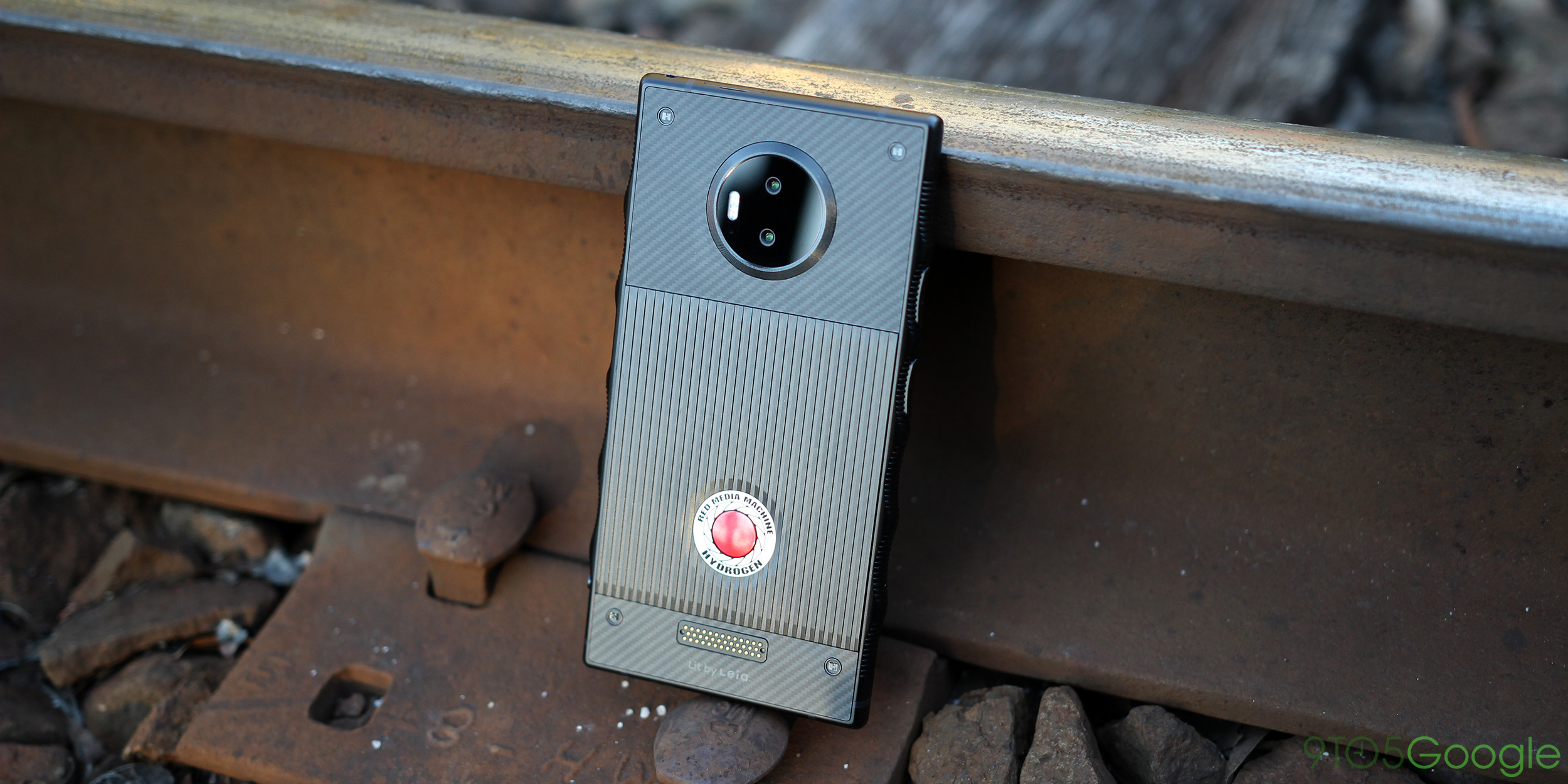 Lit Chinois But Red Hydrogen One Review Unique But Almost No One Should Buy It