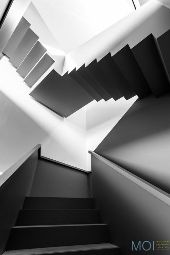 Escalera desde Sótano © MOI www.moi.es