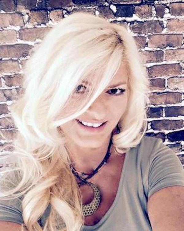 Head Shot_Donna Chaffins