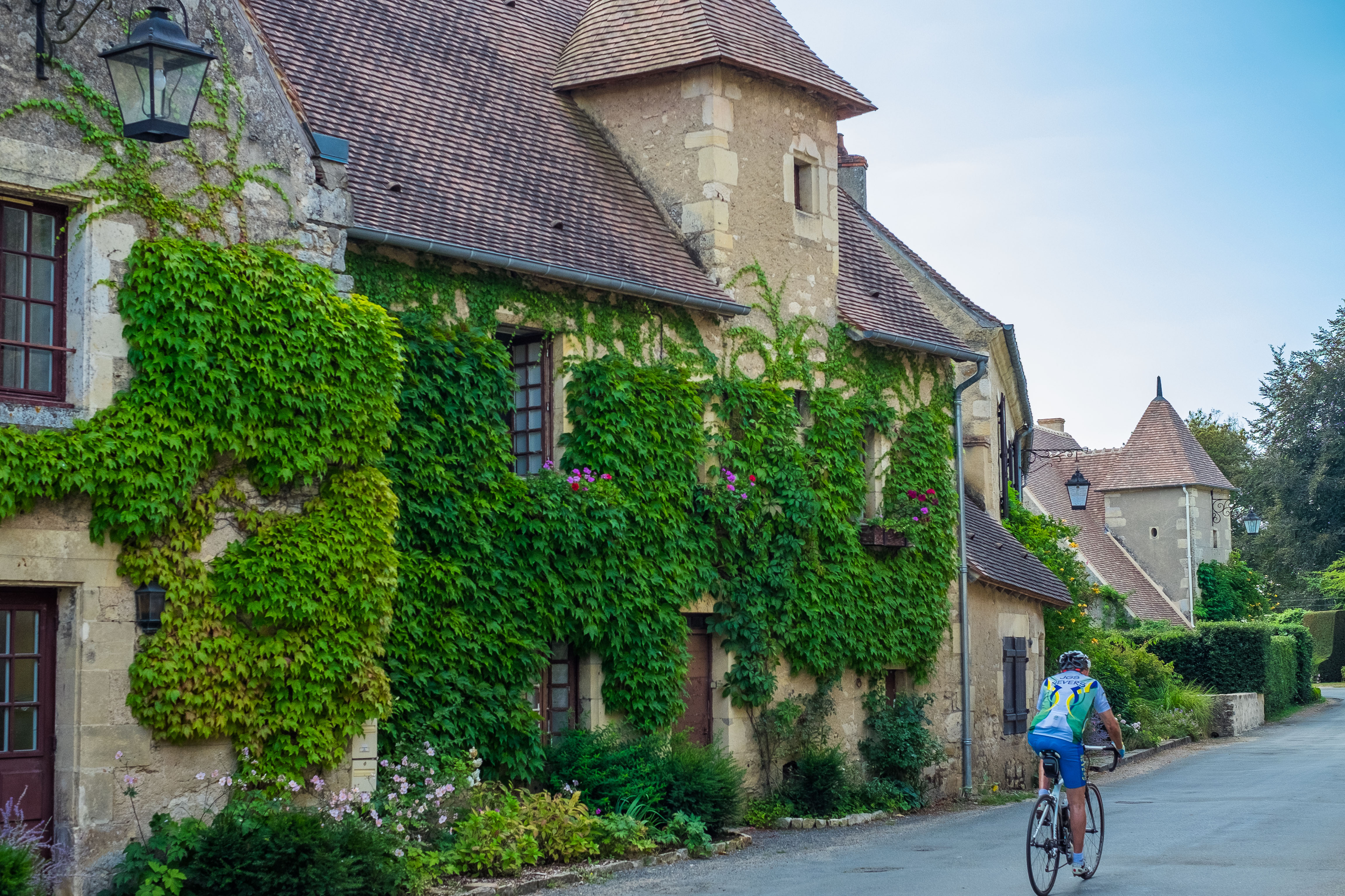 Apremont Sur Allier Chateau Medieval Apremont Is A