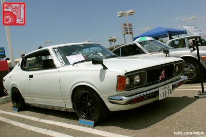 167JP5699-Nissan_Bluebird_U_610