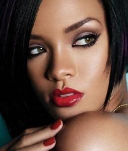 black eyeliner photo credit: fashionbomdaily.com
