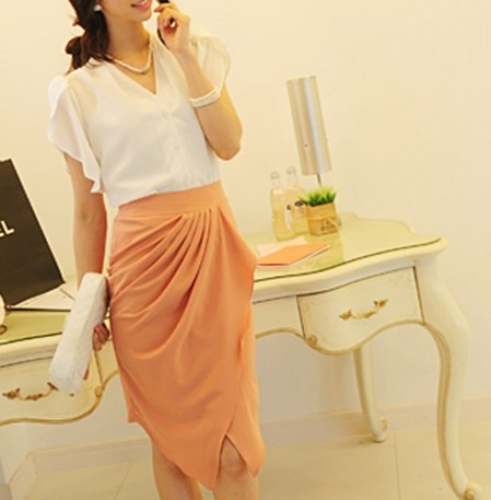 http://www.artfire.com/ext/shop/product_view/Dressholic/4682207/Pink_Chiffon_drape_tulip_skirt/Clothing/Skirts/Knee_Length