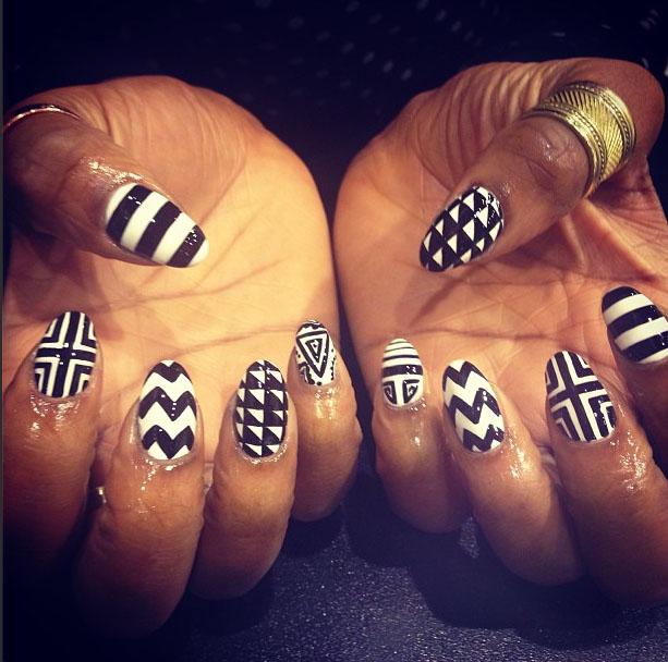 Monochrome-patterns-manicure