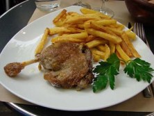 Chicken confit with frites