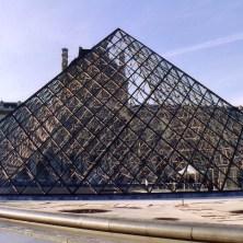 Louvre pyramid - Copy