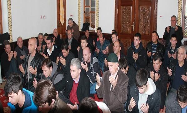 muslimani-u-crnoj-gori-ucili-dovu-za-premijera-erdogana_trt-bosanski-25226