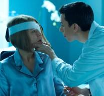 Rachel (TATIANA MASLANY) and Felix (JORDAN GAVARIS)