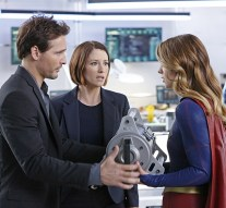 """""""How Does She Do It?"""" -- Kara's two identities are stretched thin when Supergirl must protect National City from a series of bombings and Kara is tasked with babysitting Cat's son, Carter, on SUPERGIRL, Monday, Nov. 23 (8:00-9:00 PM, ET/PT) on the CBS Television Network. Pictured left to right: Peter Facinelli, Chyler Leigh and Melissa Benoist Photo: Robert Voets/Warner Bros. Entertainment Inc. © 2015 WBEI. All rights reserved."""
