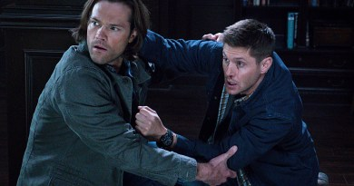 """Supernatural -- """"Into The Mystic"""" -- Image SN1111B_0086.jpg -- Pictured (L-R): Jared Padalecki as Sam and Jensen Ackles as Dean -- Photo: Liane Hentscher/The CW -- © 2016 The CW Network, LLC. All Rights Reserved."""