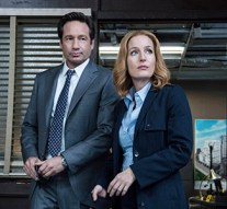 """THE X-FILES:   L-R:  David Duchovny and Gillian Anderson in the """"Home Again"""" episode of THE X-FILES airing Monday, Feb. 8 (8:00-9:00 PM ET/PT) on FOX.  ©2016 Fox Broadcasting Co.  Cr:  Ed Araquel/FOX"""