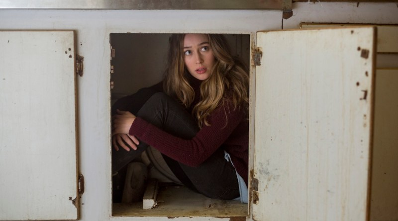 Alycia Pebnam-Carey as Alicia Clark - Fear The Walking Dead _ Season 2, Episode 05 - Photo Credit: Peter Iovino/AMC