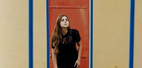 """World Music Central Reviews Dom La Nena's """"Cantando"""" EP"""