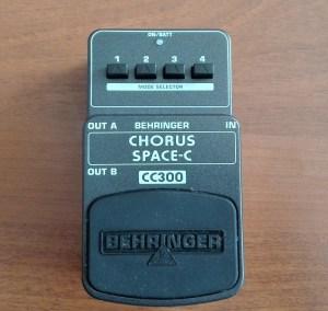 Китарен ефект Behringer CC300