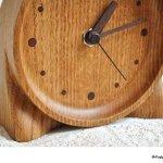 木製 手づくりの置き時計