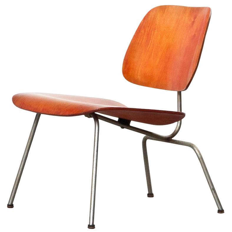 Charles & Ray Eames 1940s Red Analine Lcm Chair By Charles And Ray Eames For ...