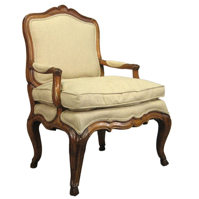 Italian Rococo Fauteuil In Walnut C 1760 At 1stdibs - Fauteuils Style Rococo