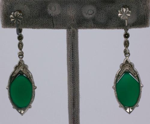 Medium Of Art Deco Jewelry