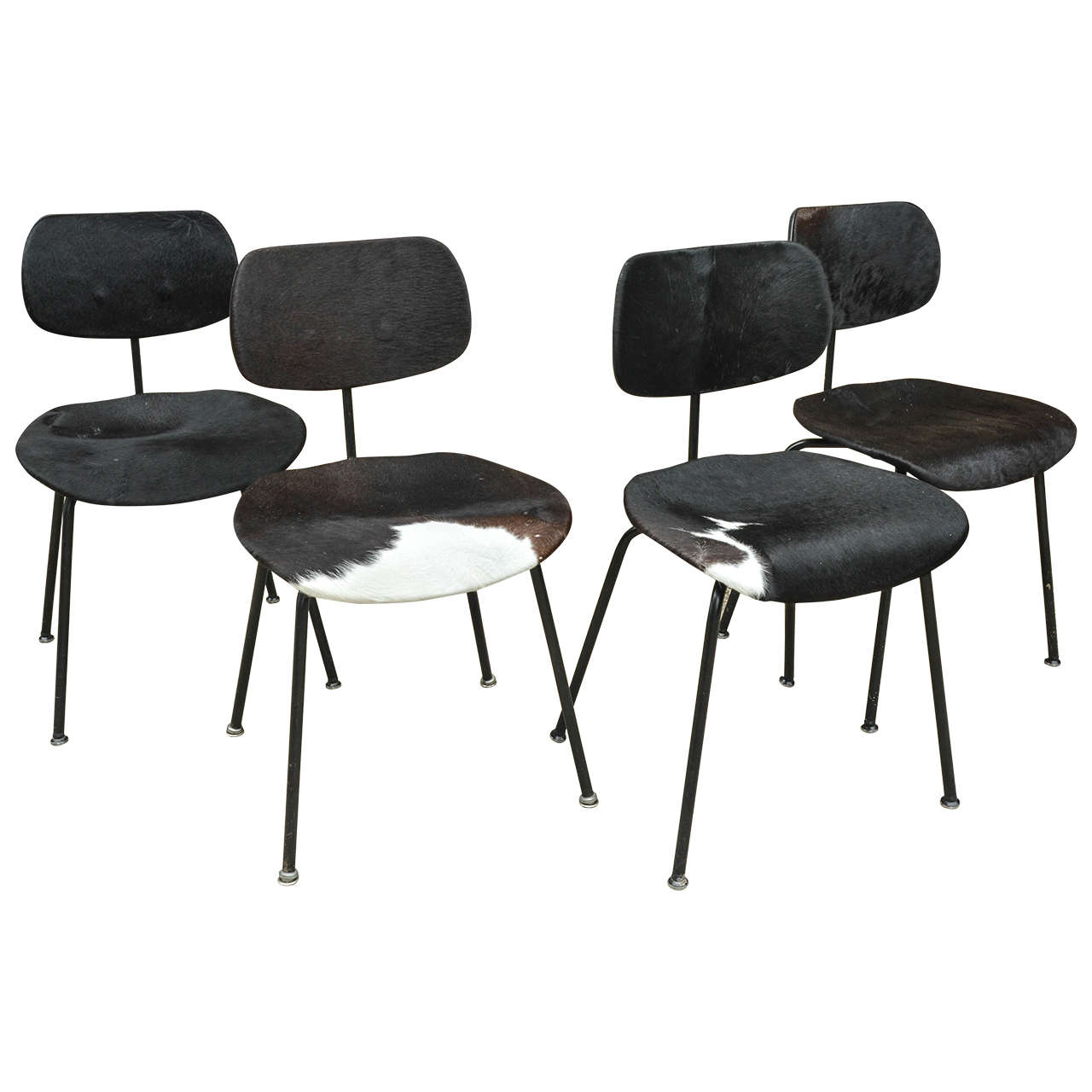 Egon Eiermann Two Pair Of Se 68 Chairs By Egon Eiermann In Original Cowhide