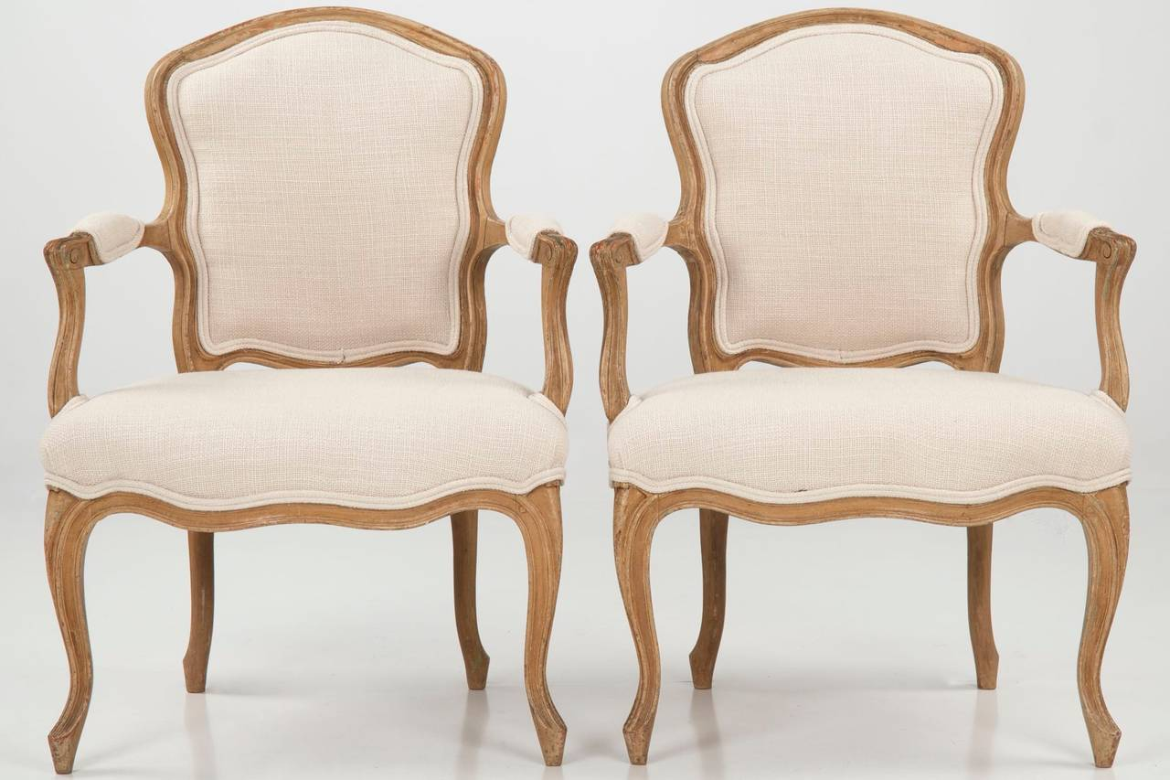 Fauteuils Style Louis Xv 19th Century Pair Of French Louis Xv Style Painted Antique Fauteuil Arm Chairs