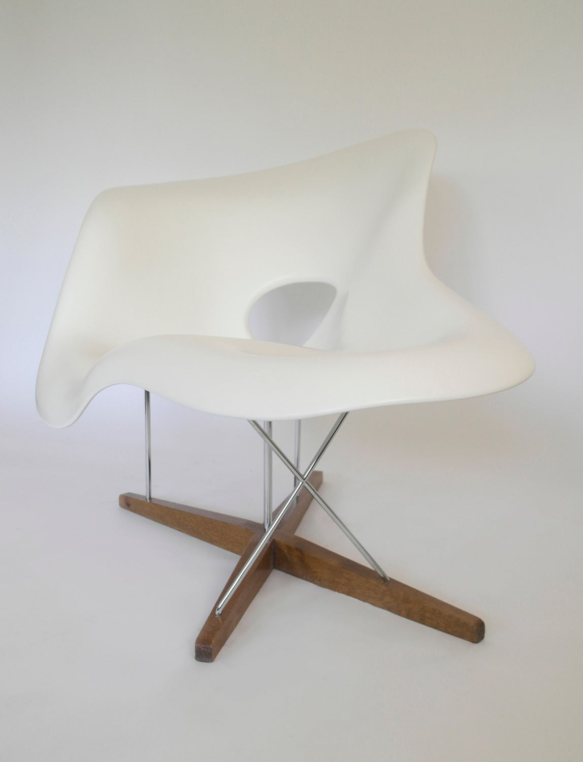 Chaise Design Eames Vitra Edition La Chaise By Charles Ray Eames