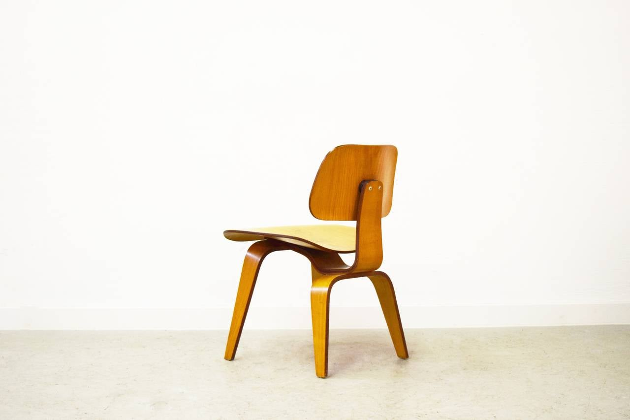 Charles Eames Stuhl Original Early Dcw Chair By Charles And Ray Eames