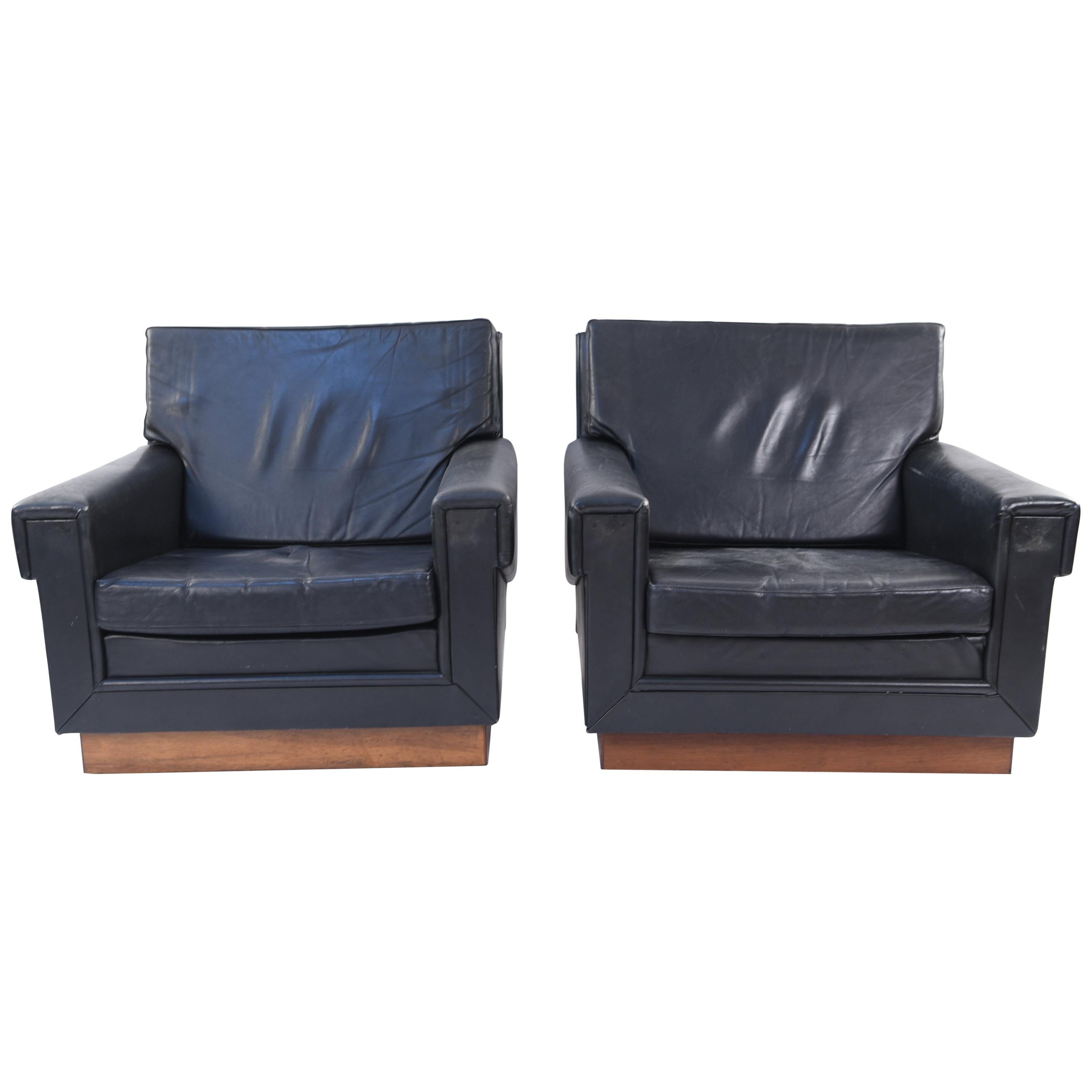 Leather Lounge Pair Of Jørgen Ryesberg Leather Lounge Chairs