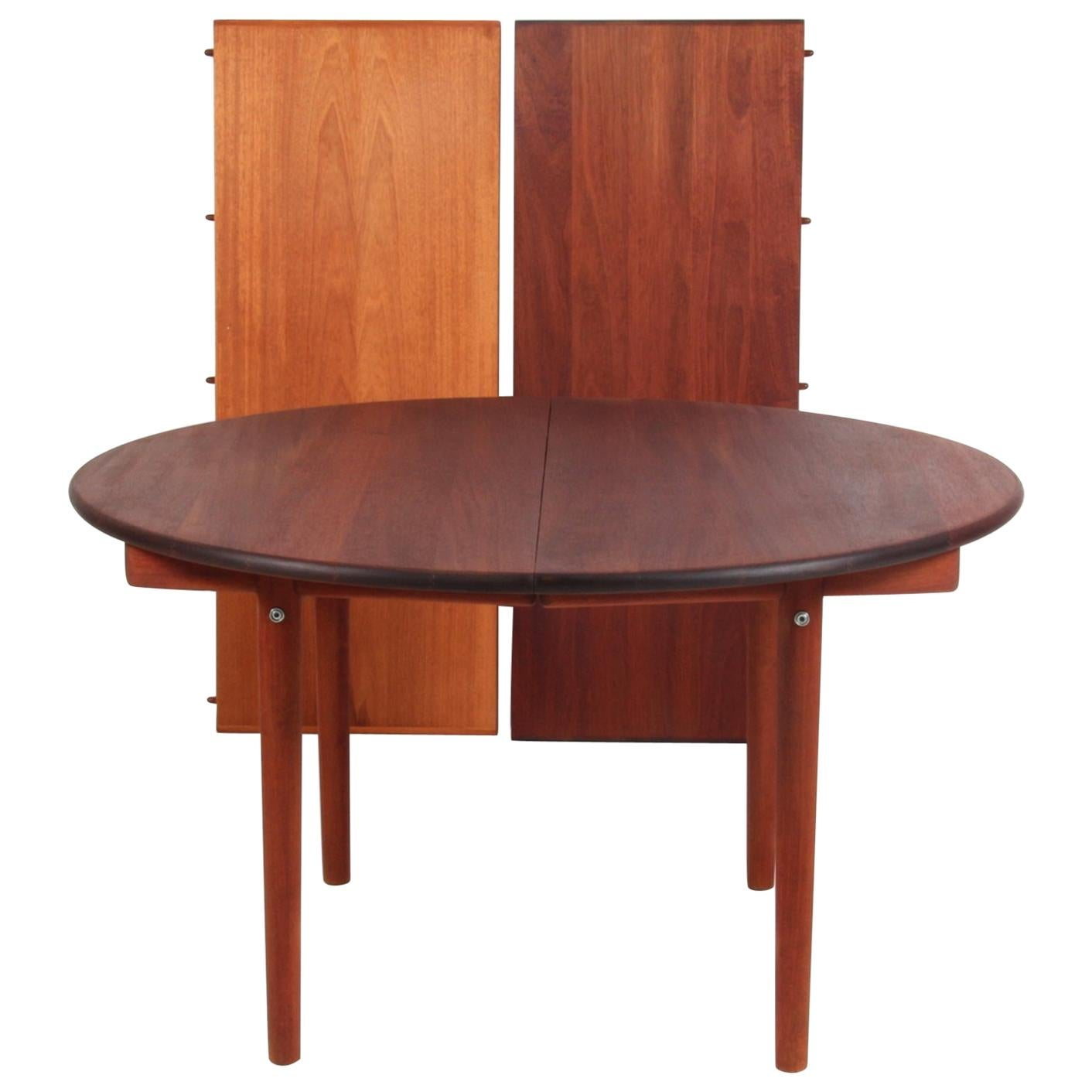 Round Dining Table With Extensions Hans J Wegner Round Dining Table With Two Extensions Plate Pp70 Mahogany