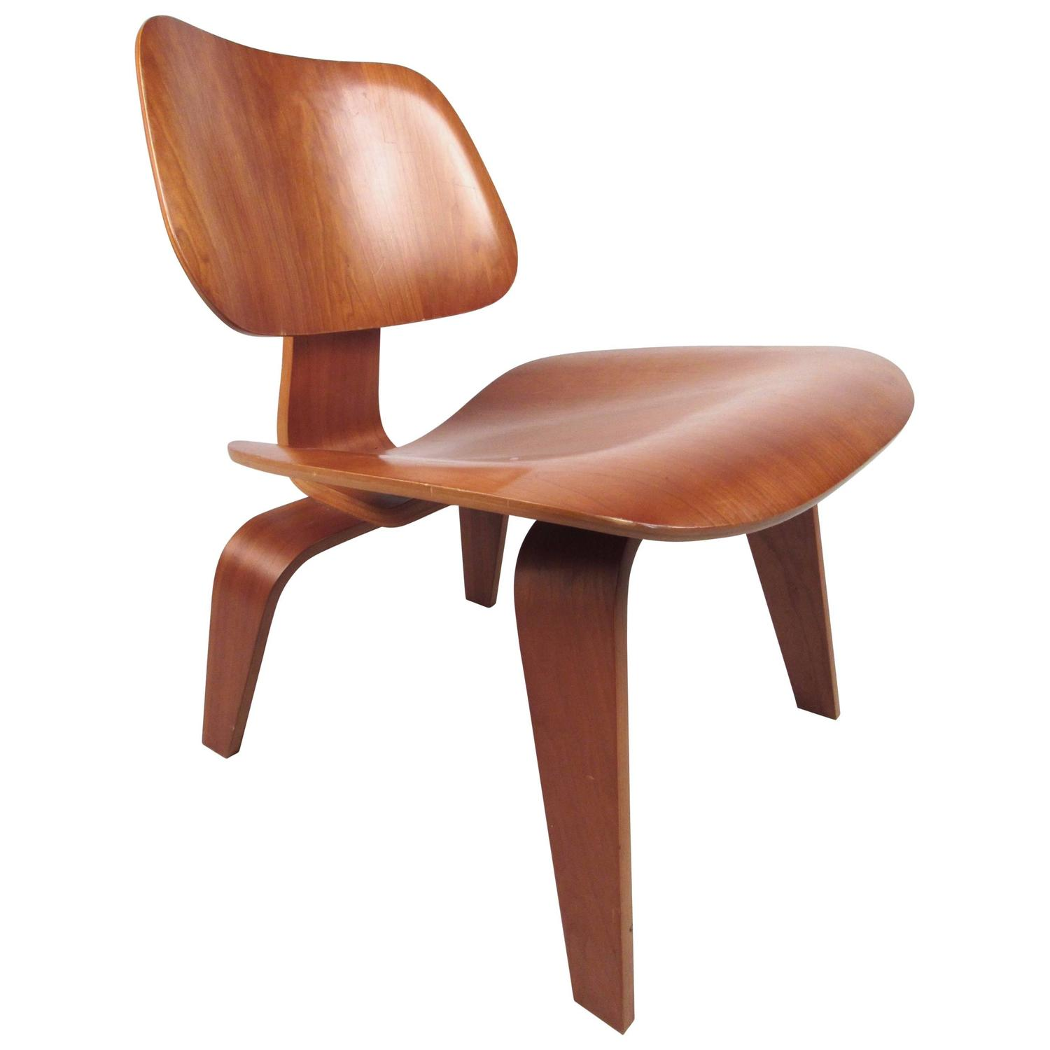 Charles Eames Charles Eames Plywood Dcw Side Chair For Herman Miller