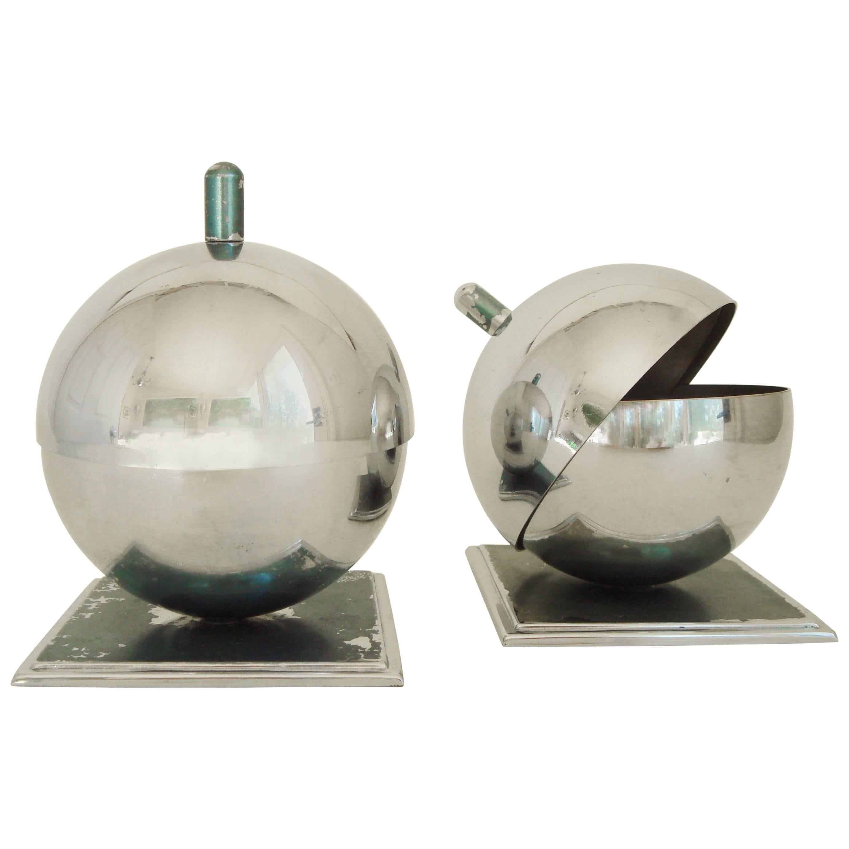 Objet Deco Chrome Pair Of American Art Deco Chrome Globe Ashtrays By Walter Von Nessen For Chase