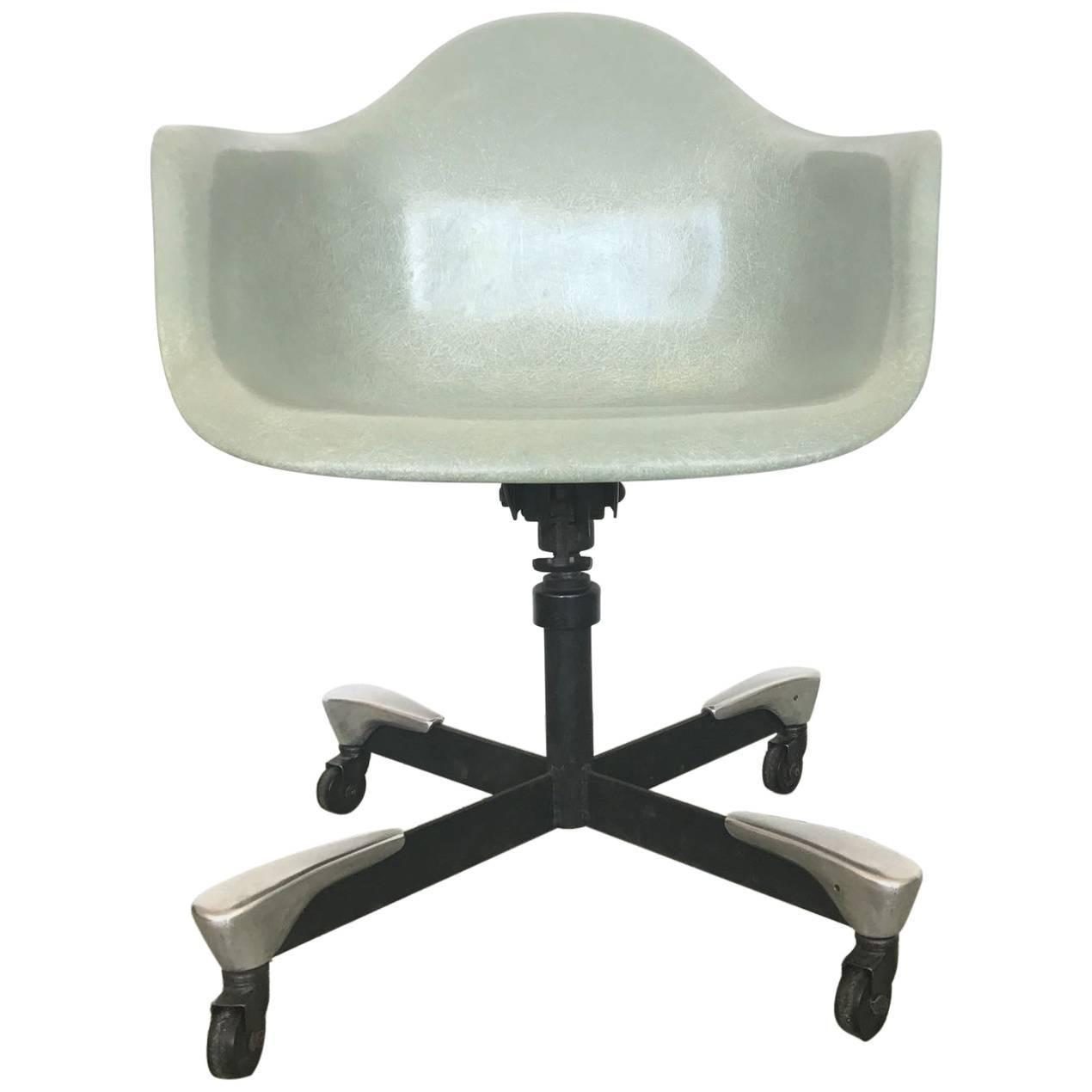 Grey Desk Chair 1953 Fiberglass Charles Eames Dat Desk Chair For Herman Miller