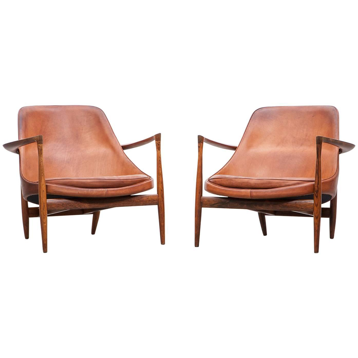1950 s brown wooden and leather pair of lounge chairs by ib kofod larsen for sale at 1stdibs