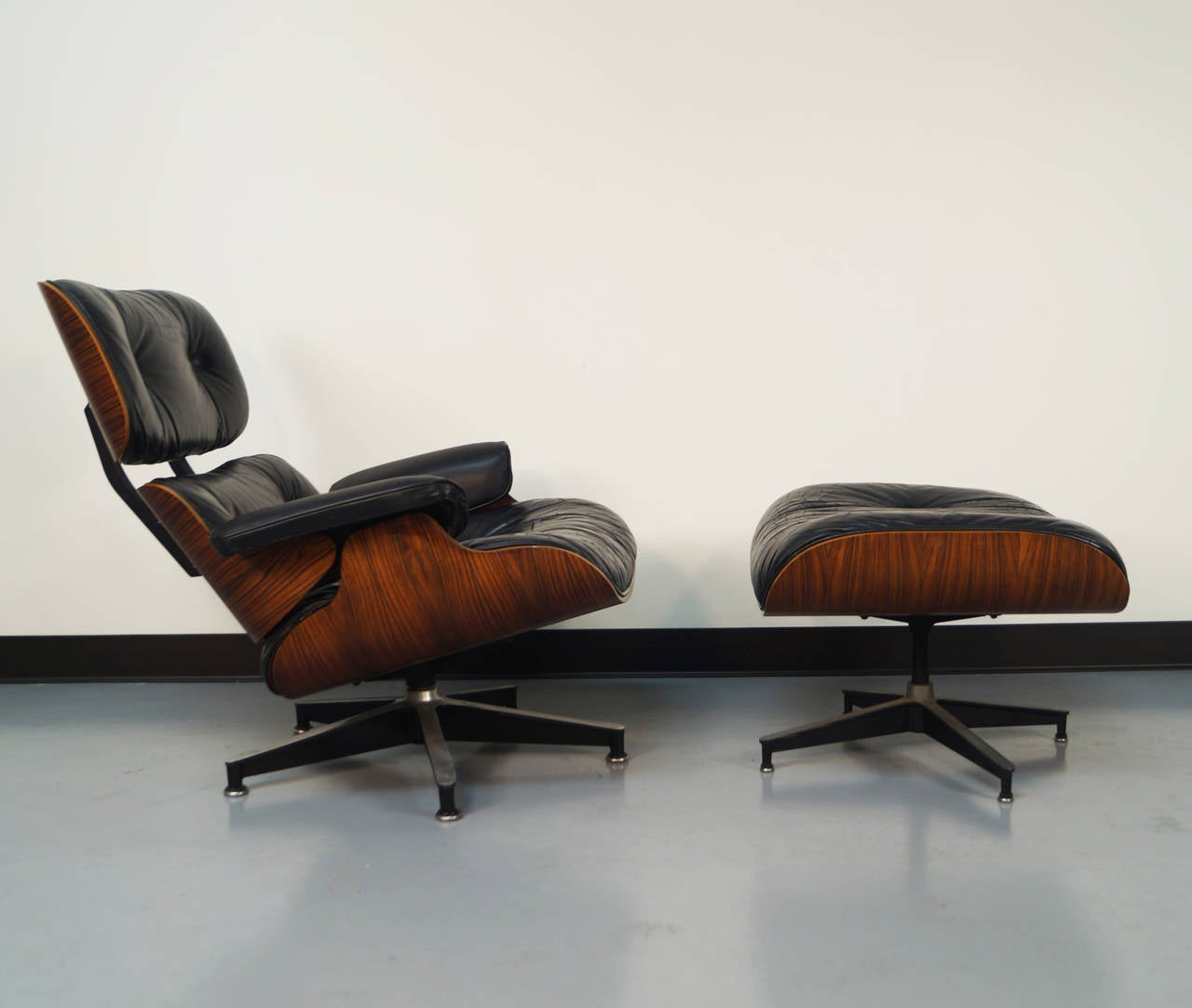 Eames Chairs Qld Rosewood Charles Eames Lounge Chair And Ottoman For Herman