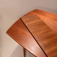 Mid-Century Modern Teak Extending Dining Table at 1stdibs