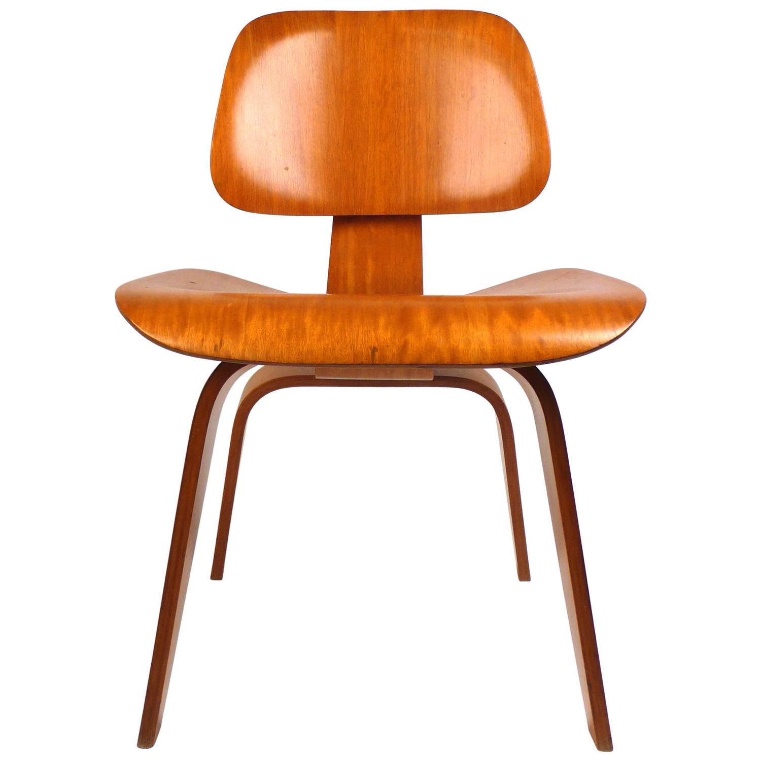 Eames Plywood Chair Evans Plywood Chair Dcw By Charles Eames 1940s