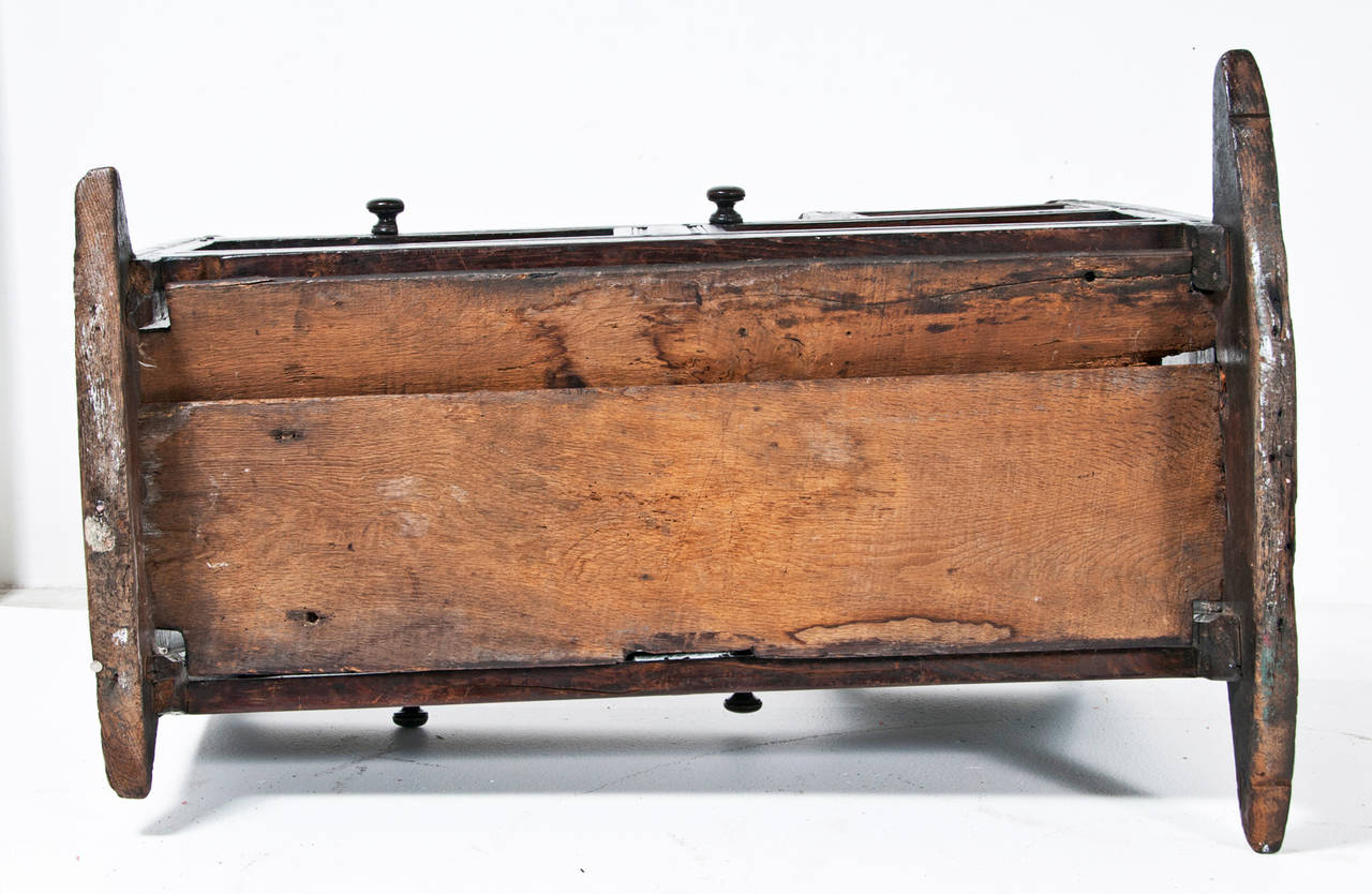 Rare Early 18th Century Oak English Cradle Circa 1706 For