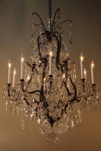 Elegant Crystal Chandelier at 1stdibs