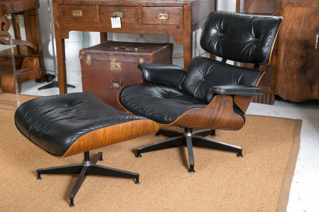 Lounge Chair Eames Vintage Eames Lounge Chair And Ottoman At 1stdibs