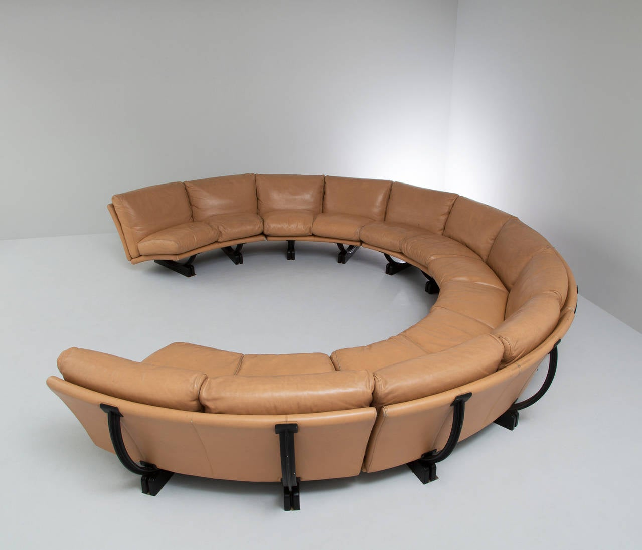 Extrem Big Sofa Extreme Large Curved Sectional Sofa By Poltrona Frau At