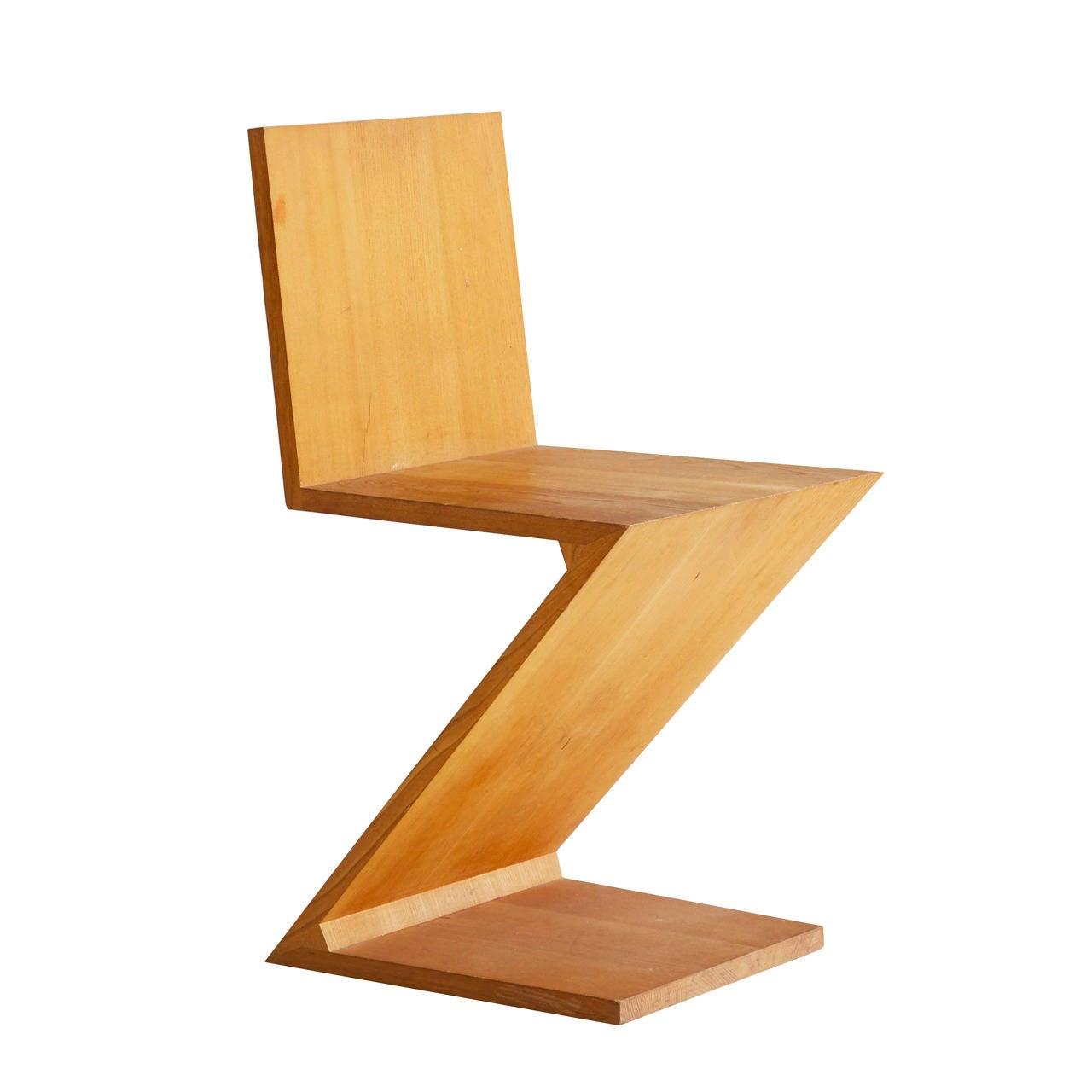 Gerrit rietveld zig zag chair 1
