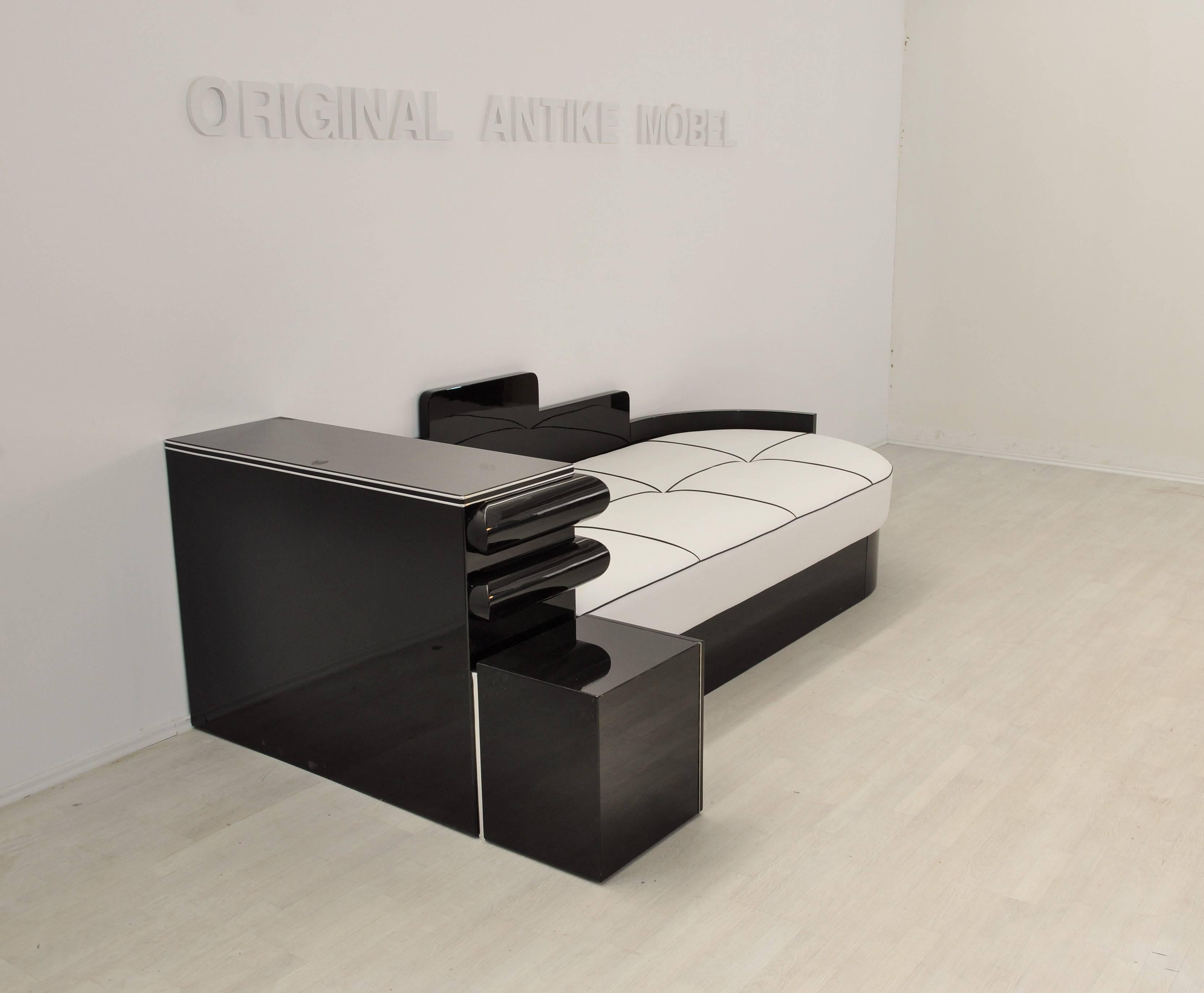 Antike Sofas Contemporary Highgloss Black Art Deco Daybed From France With A White Leather Mattress