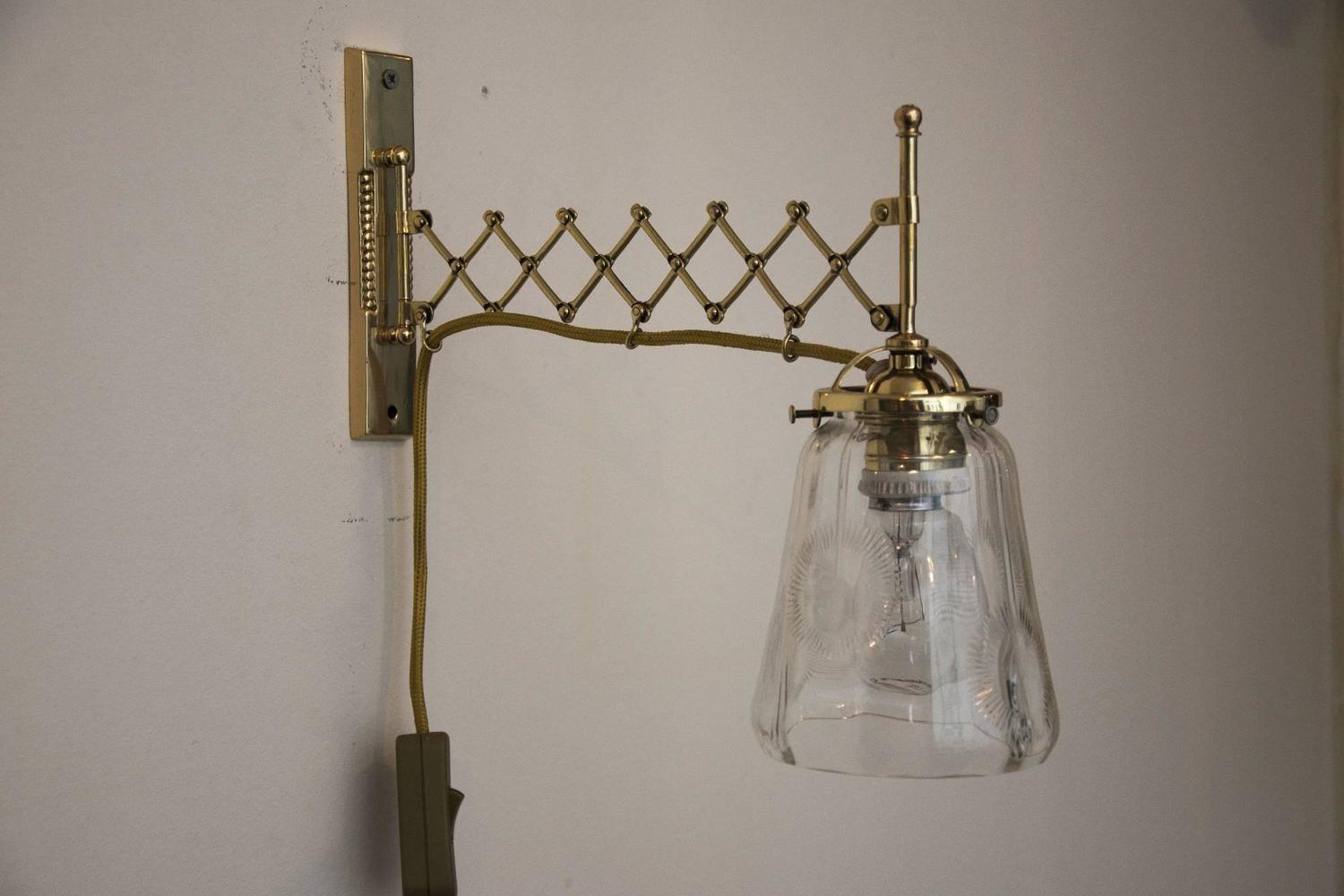 Uitschuifbare Wandlamp Art Deco Extendable Wall Lamp With Clear Cut Glass For