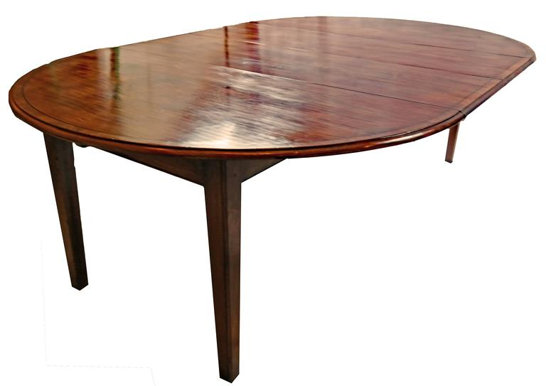 Round Cherry Yewwood Banded Dining Table For Sale At 1stdibs
