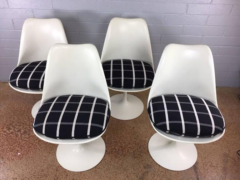 Saarinen Tulip Chairs By Knoll At 1stdibs