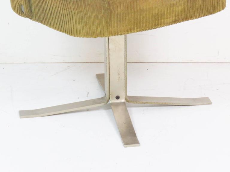 Modern Design Chrome Upholstered Swivel Desk Chair For